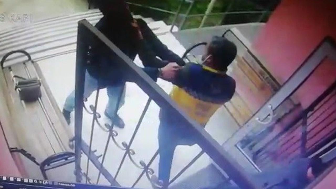 Sağlık çalışanına saldırdı: Anbean görüntülendi