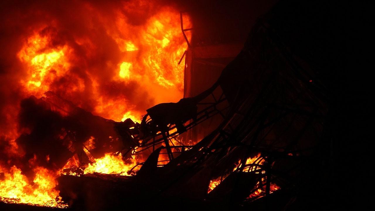 Sanayi sitesinde korkunç yangın