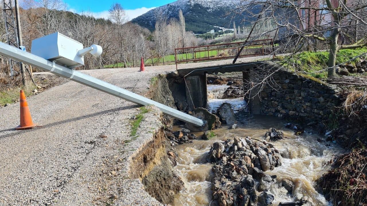 Osmaniye'yi yağış vurdu: 4 köprü zarar gördü