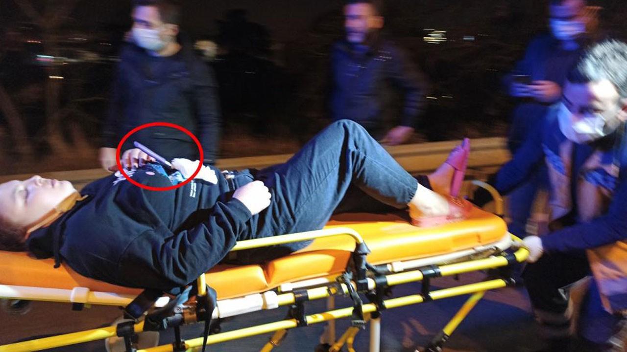 Karnına saplı bıçakla ambulansı bekledi!