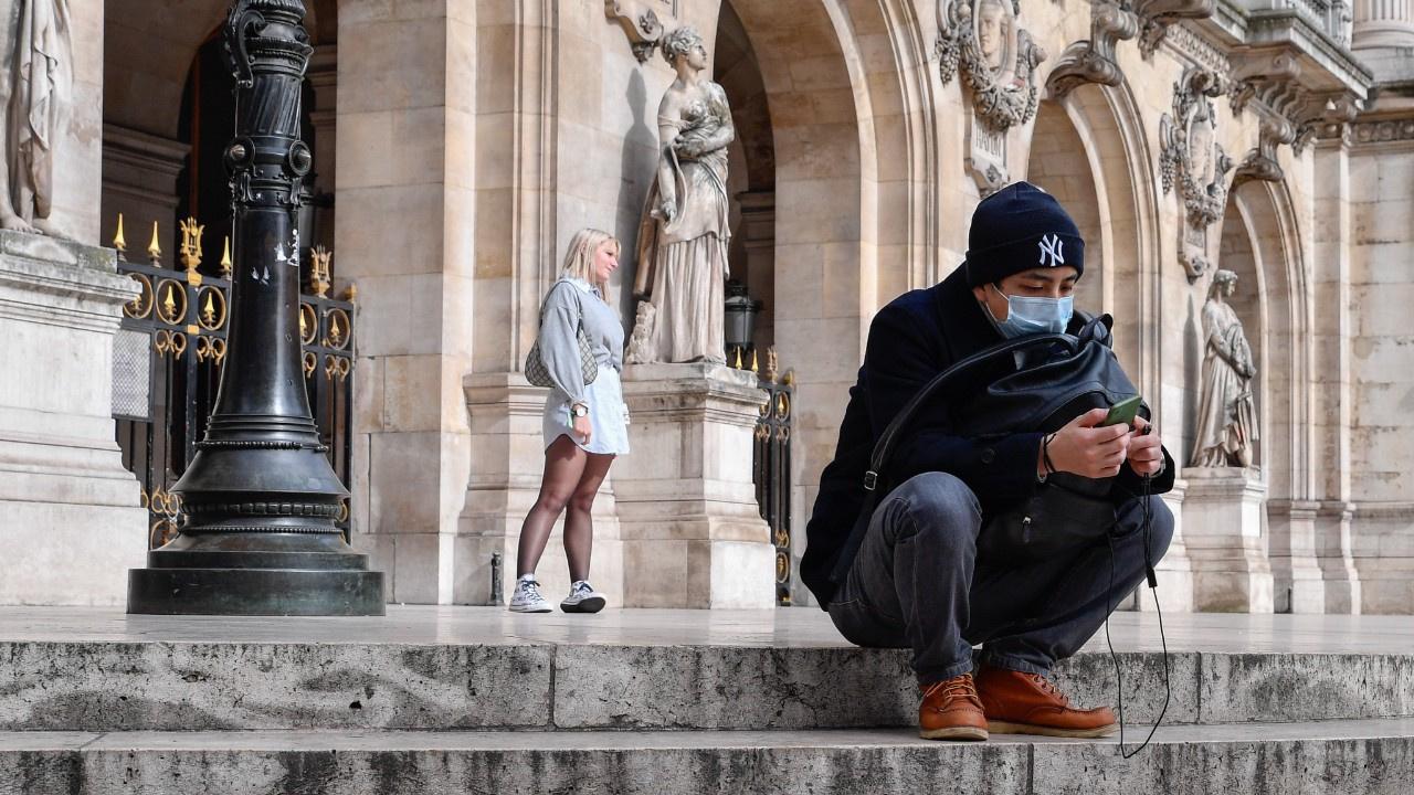 İngiltere'den sonra Fransa'da da vaka patlaması