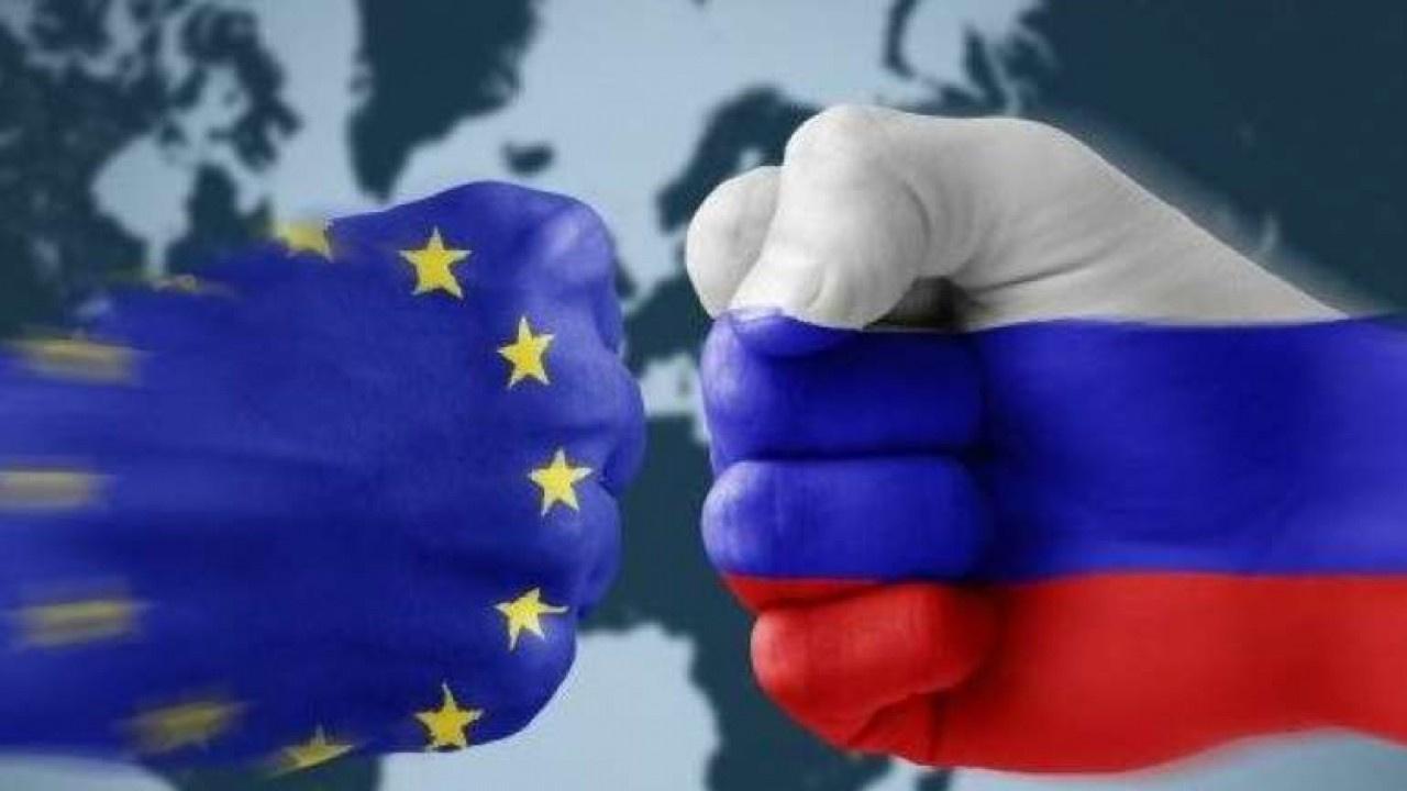 AB, Rusya'ya yaptırım sinyali: Yol ayrımındayız
