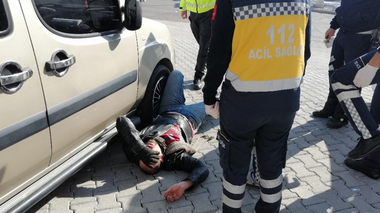 Ehliyet isteyen polise bayılma numarası yaptı