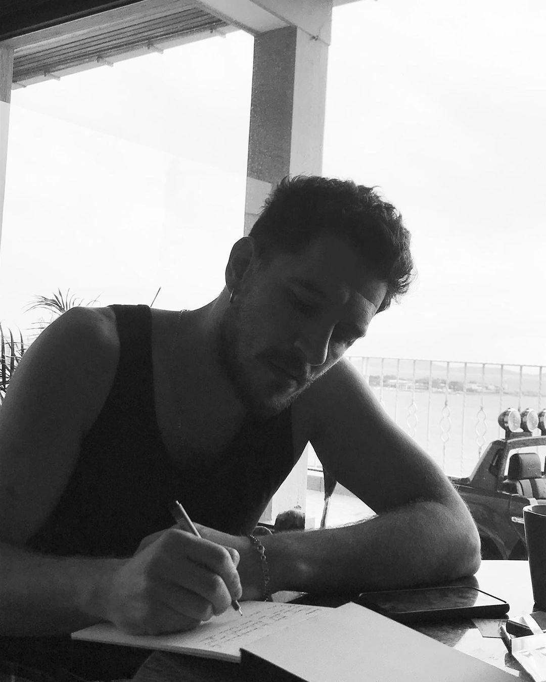 Uraz Kaygılaroğlu, iddialı yapımdan başrol teklifi aldı! - Sayfa 1