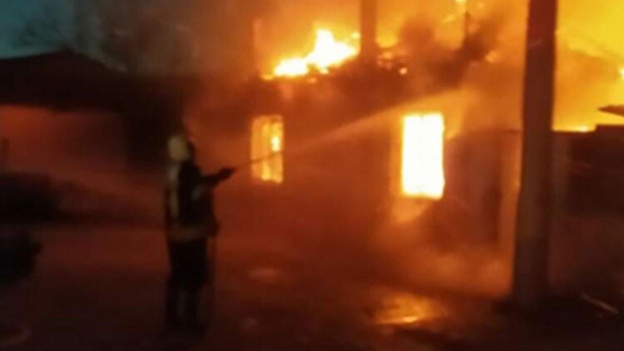 İşçilerin kaldığı lojmanda yangın!