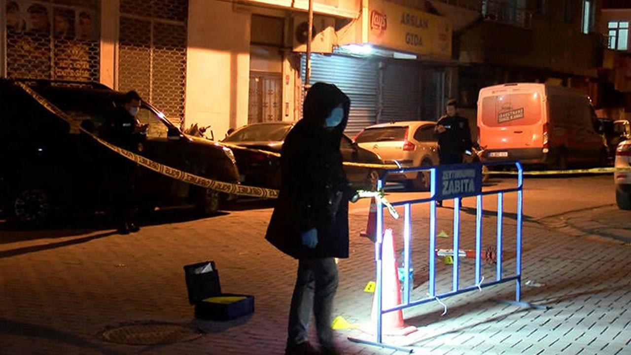 Sokakta yürürken silahla yaralandı