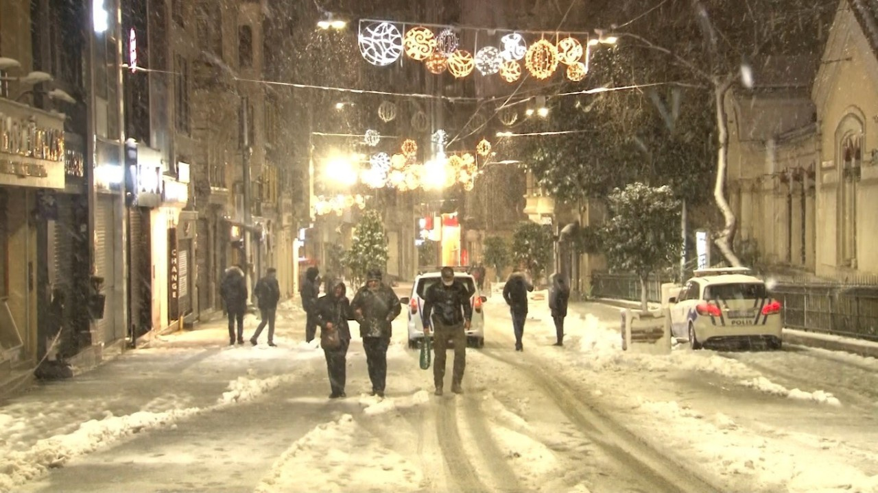 Meteoroloji'den İstanbul için alarm: Yoğun kar...