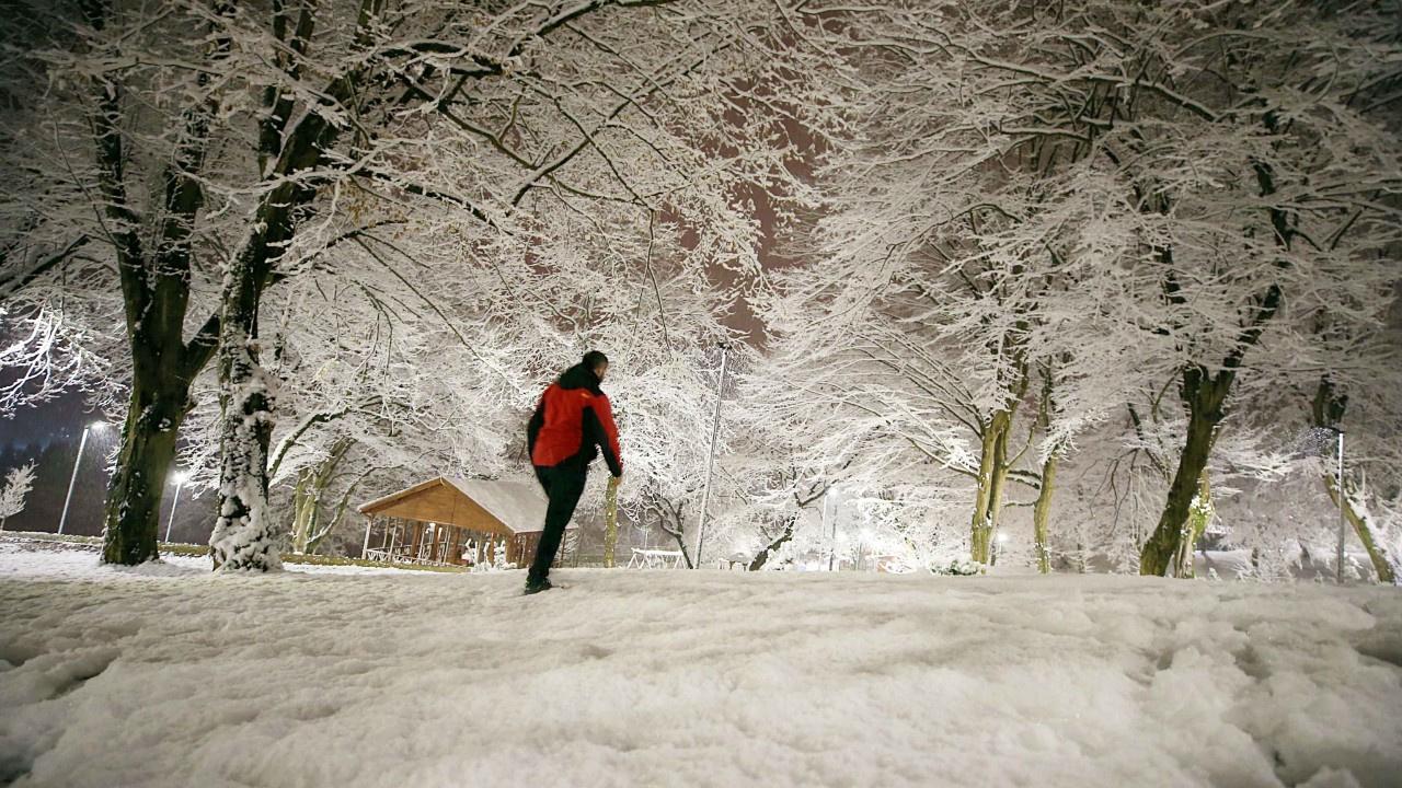 Kar nedeniyle birçok ilde eğitim ertelendi