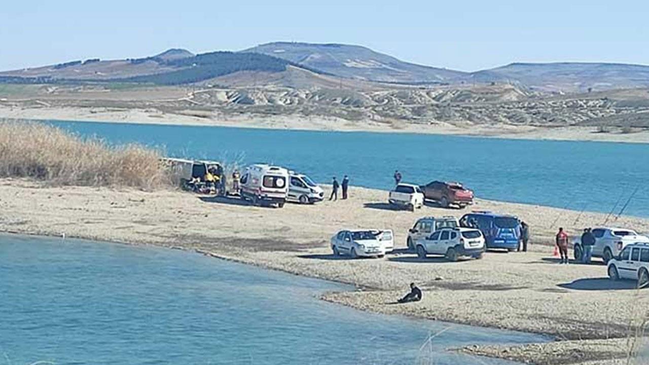 Yer: Şanlıurfa... Minibüste 3 ceset bulundu