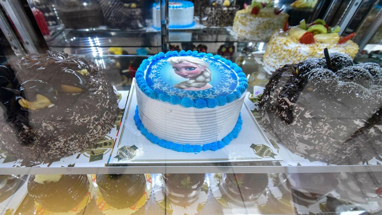 Yaş pastada büyük tehlike!.. Deri dökülmesi, astım, kanser..!
