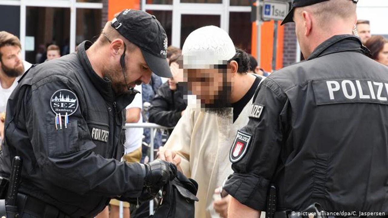DEAŞ'ın Almanya liderine 10 yıl hapis cezası