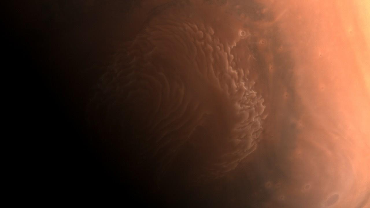 Tianwen-1 Mars'ın ilk fotoğraflarını yayınladı