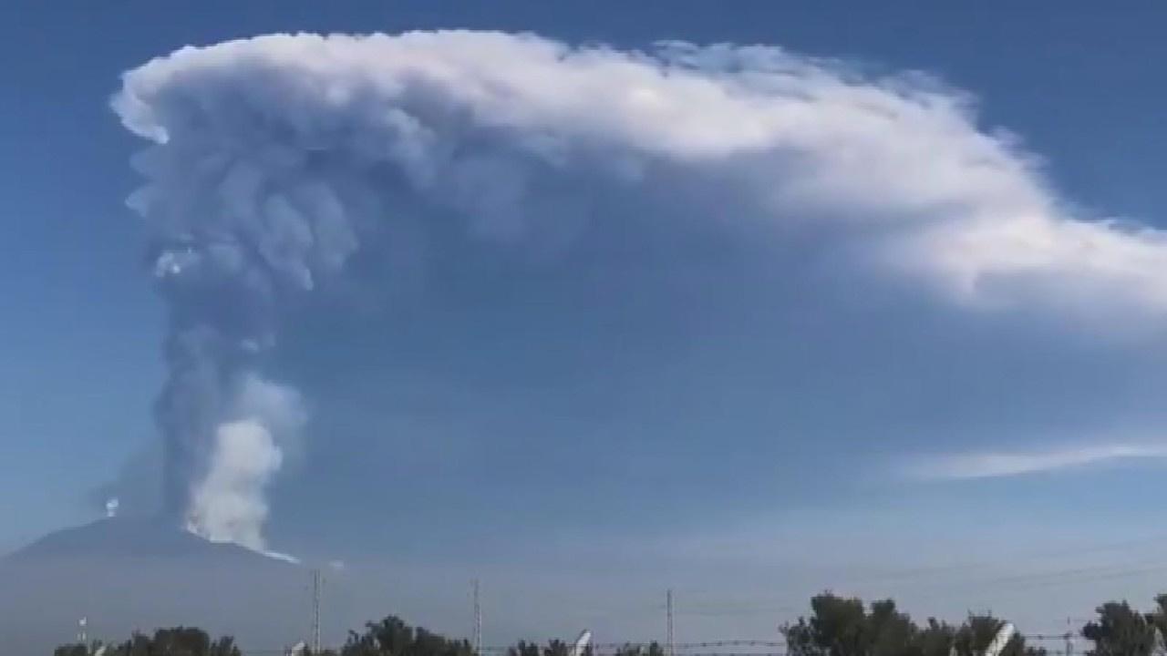 Dumanı üstünde Etna yanardağından ürküten görüntü