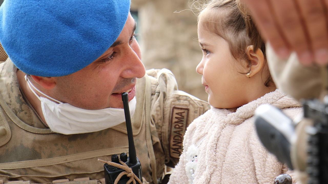 Suriye'den dönen kahramanlar yavrularıyla buluştu