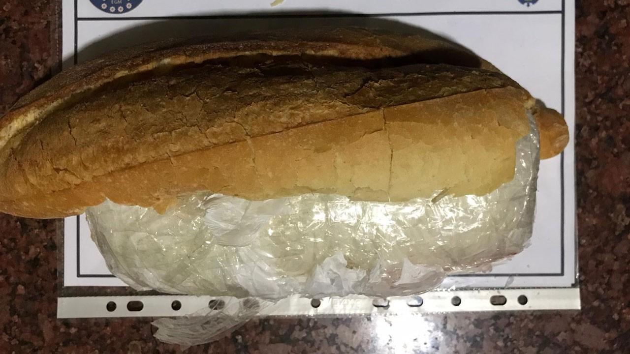 Ekmeğin içinden çıktı!