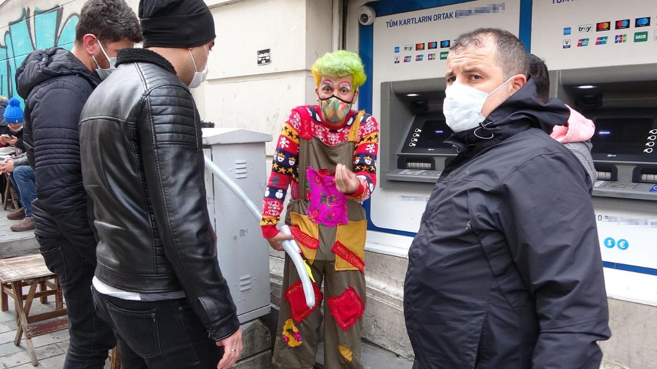 Turistleri para için tehdit etmişti!
