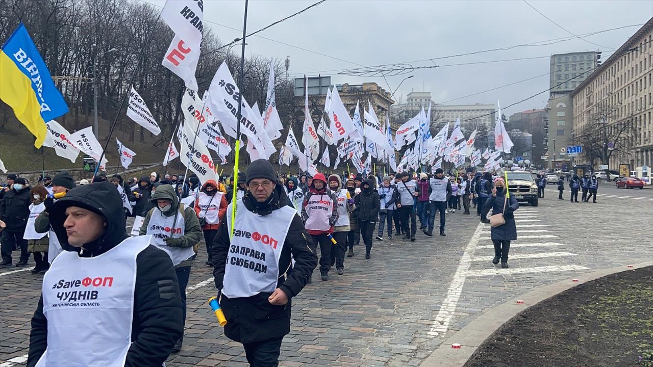 Yeni karantina uygulaması protesto edildi