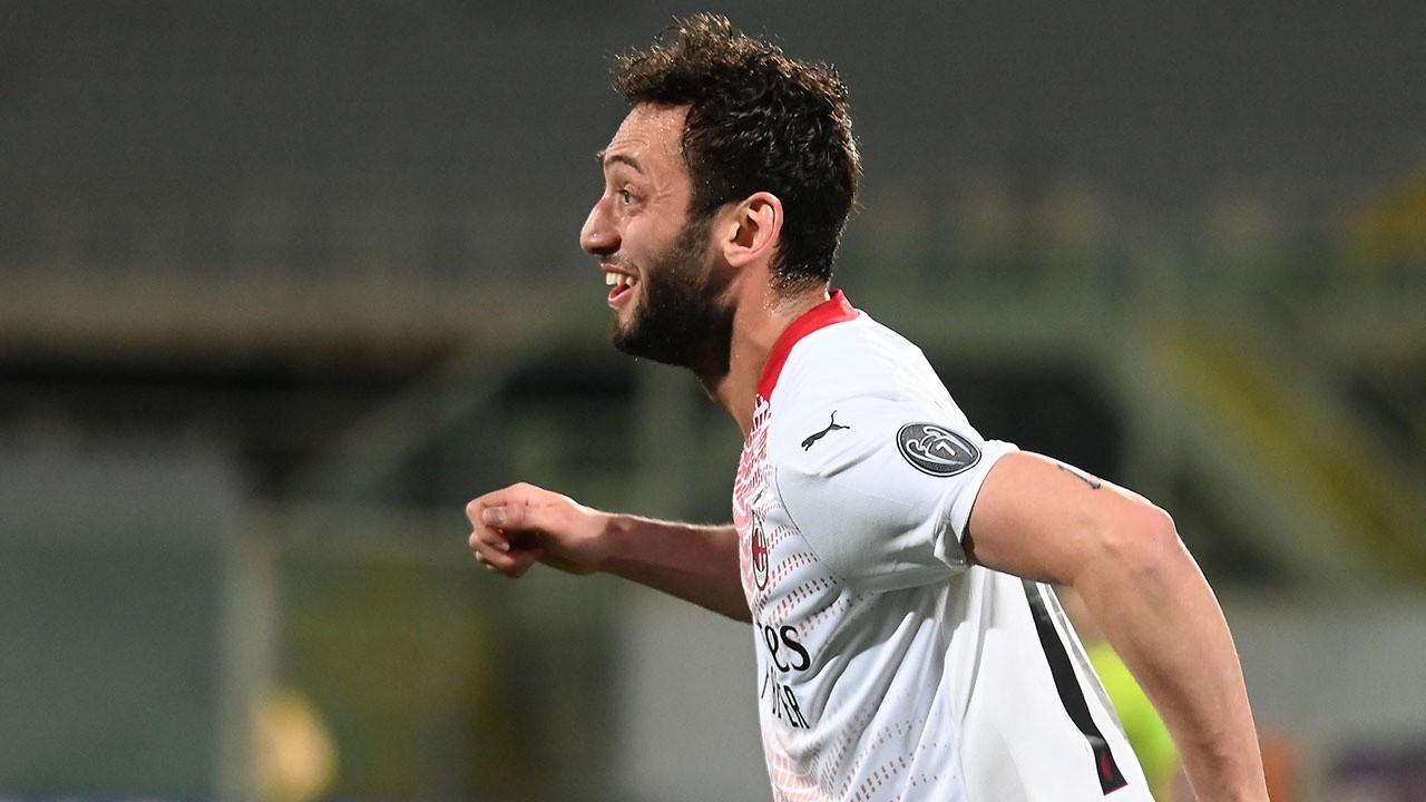 Milan sahadan 3-2 galip ayrıldı