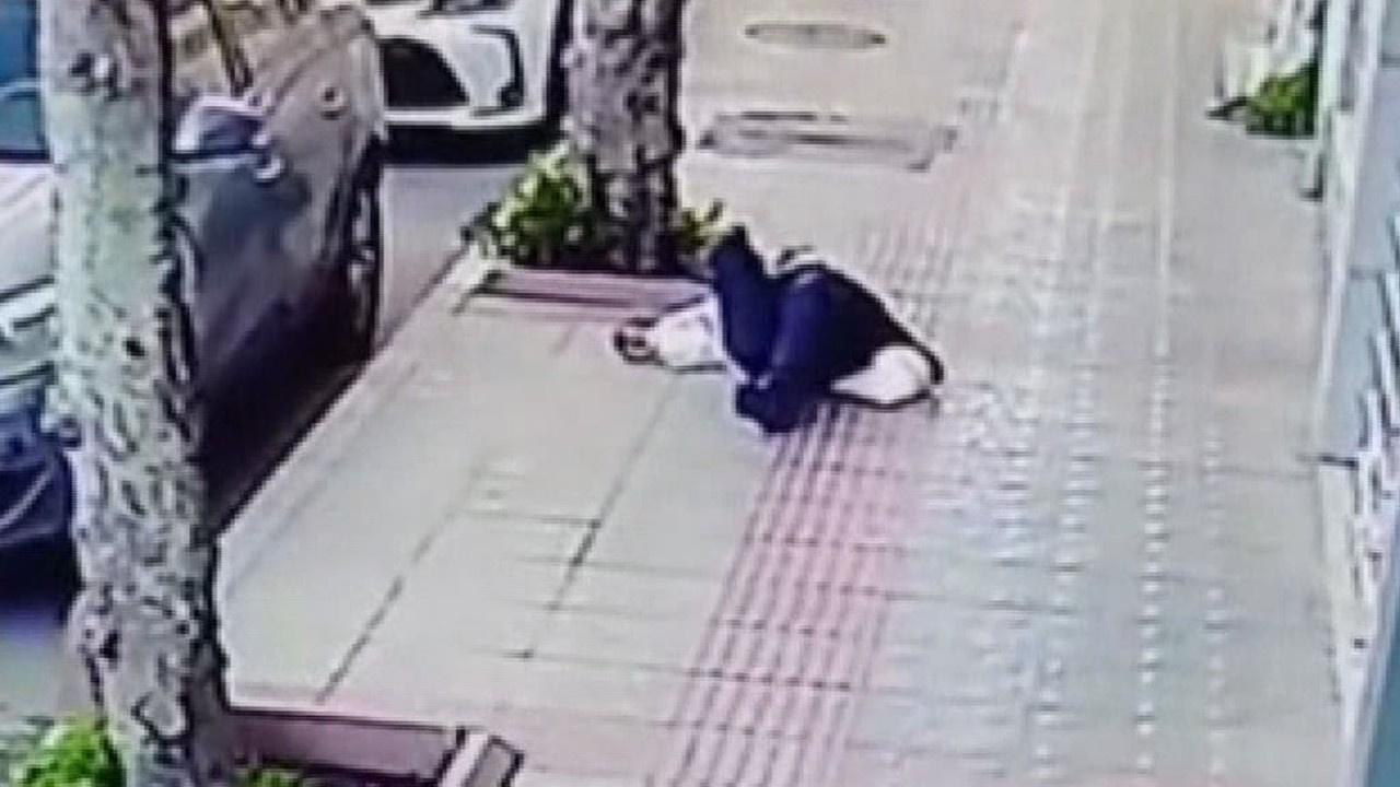 Kaldırımda yürürken hayatını kaybetti