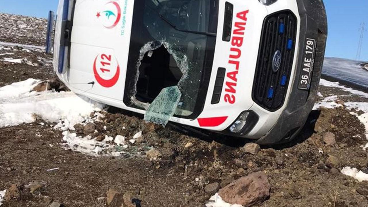 Ambulans takla attı: Yaralılar var!