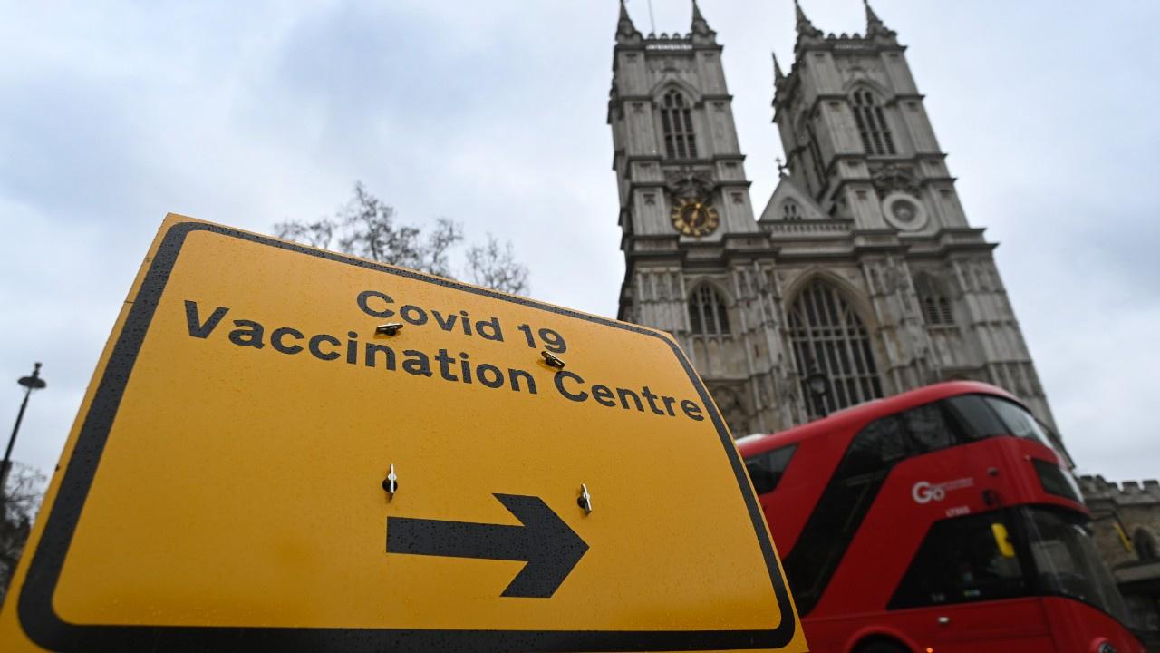 İngiltere koronavirüsü kontrol altına aldı