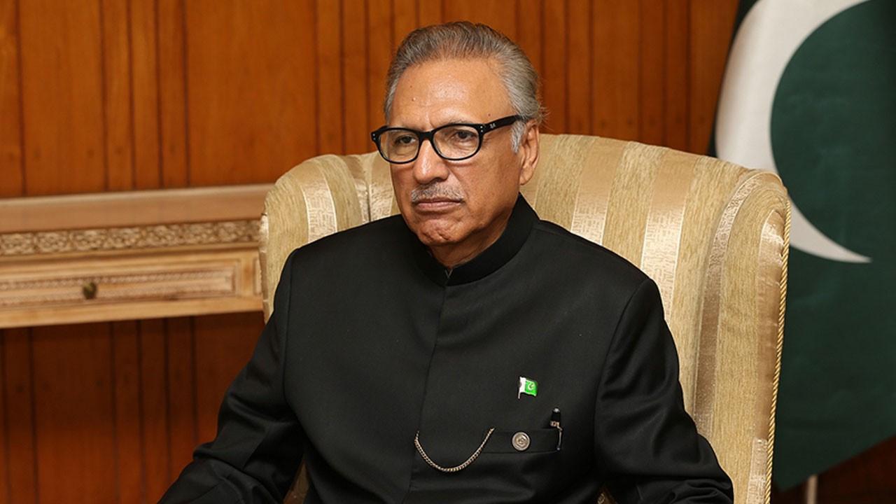 Pakistan Cumhurbaşkanı Arif Alvi korona pozitif!