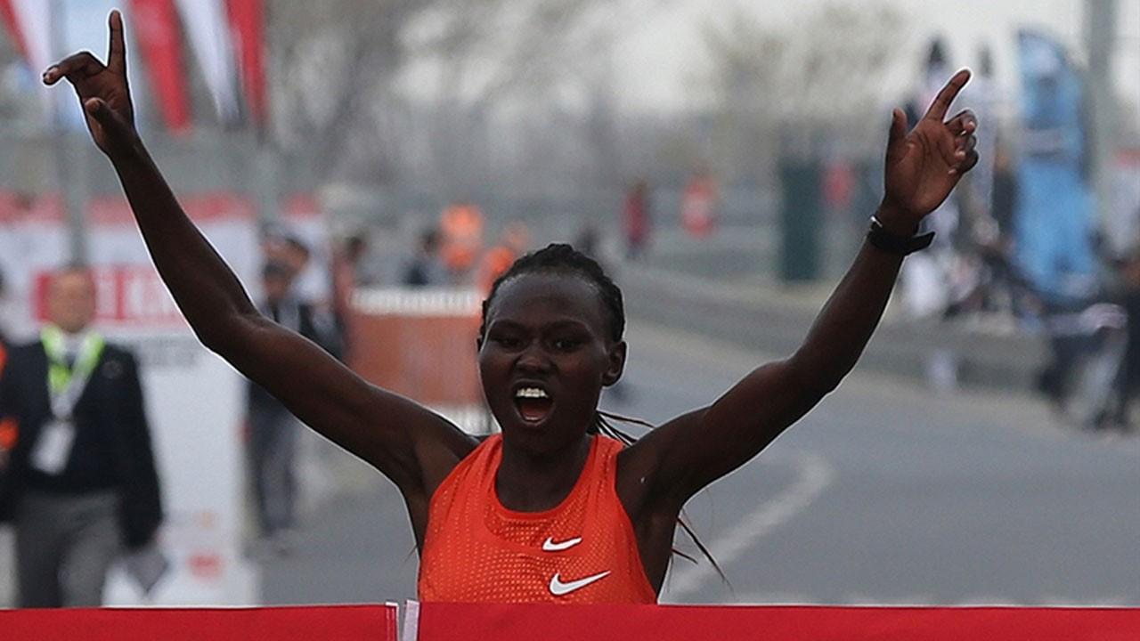 İstanbul Yarı Maratonu'nda rekor üstüne rekor!