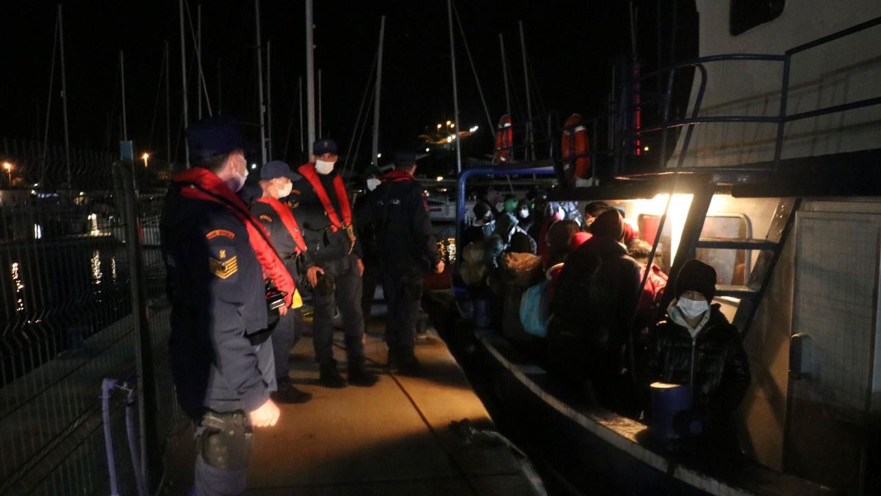 Arızalı tekne 109 sığınmacıyla denize açılacaktı: