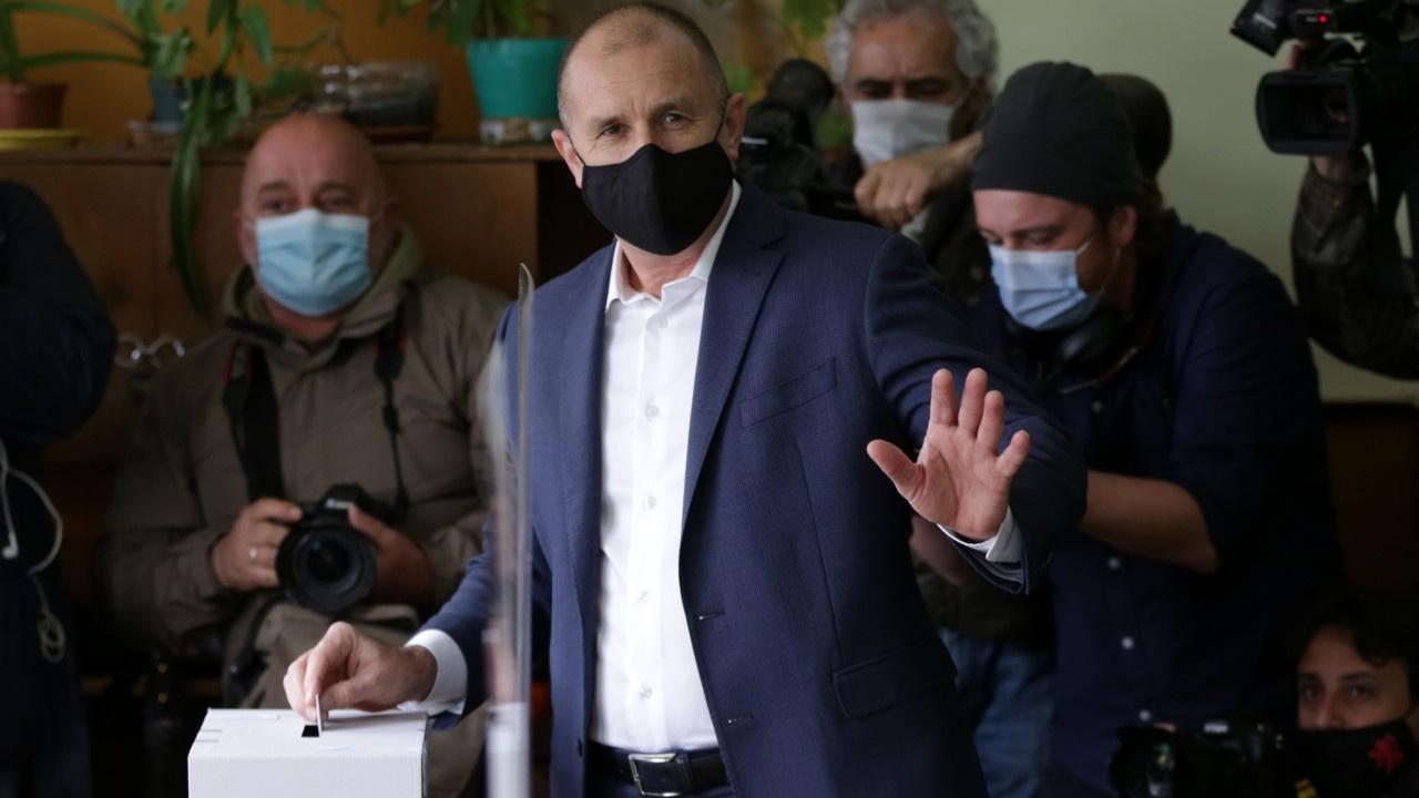 Bulgaristan'da seçimlerin anket galibi belli oldu