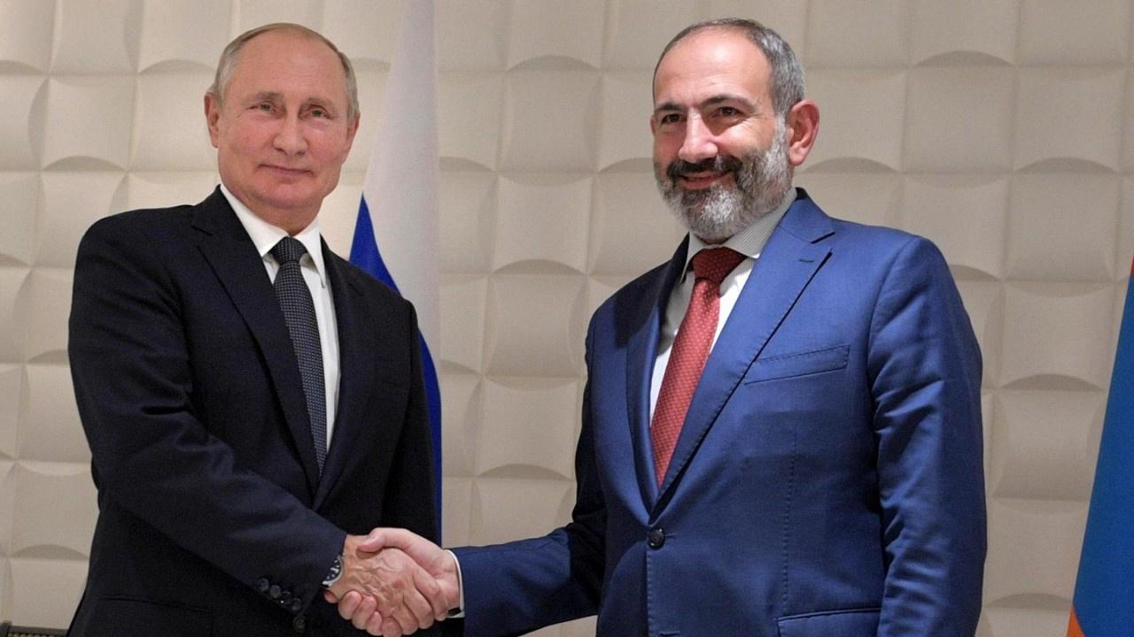 Putin ve Paşinyan Moskova'da görüştü: Konu Karabağ