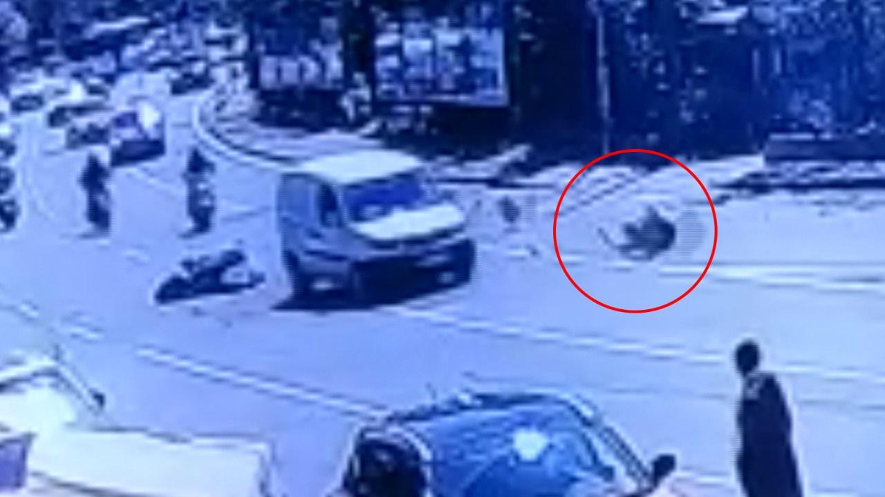 Tek teker sürdüğü motosikletle böyle kaza yaptı!