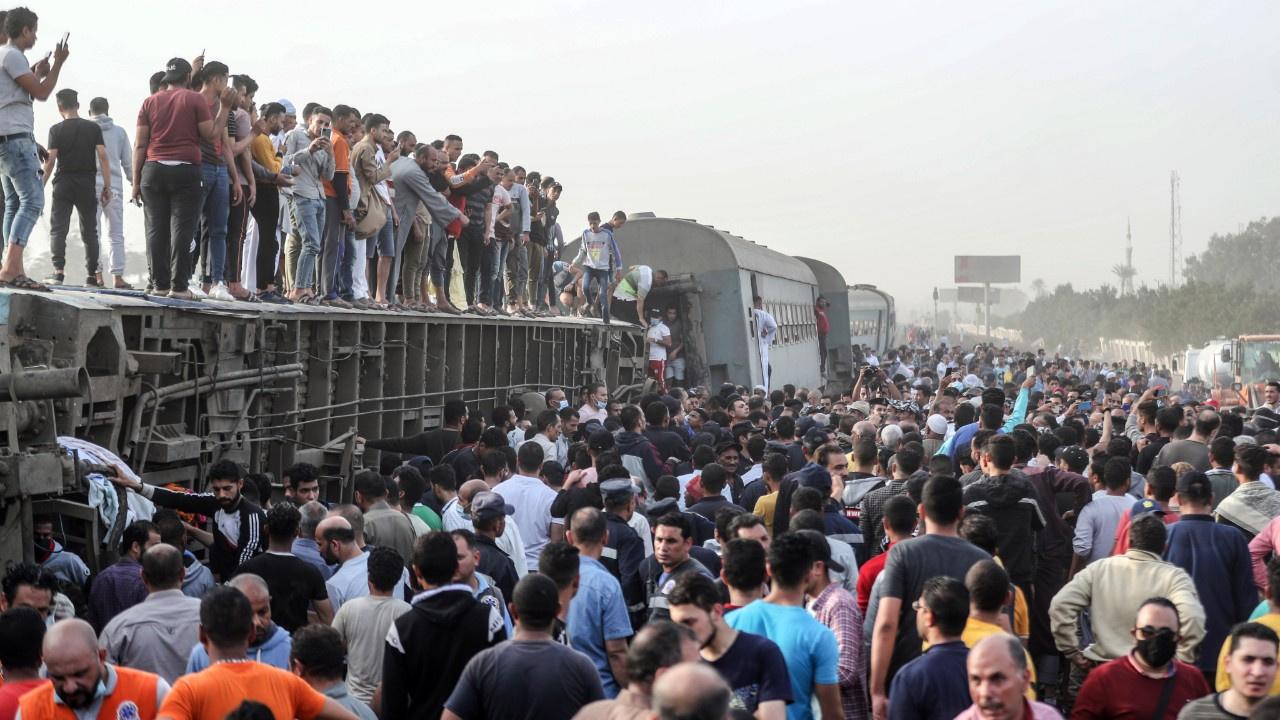Mısır'da tren faciası: 8 ölü, yüzlerce yaralı
