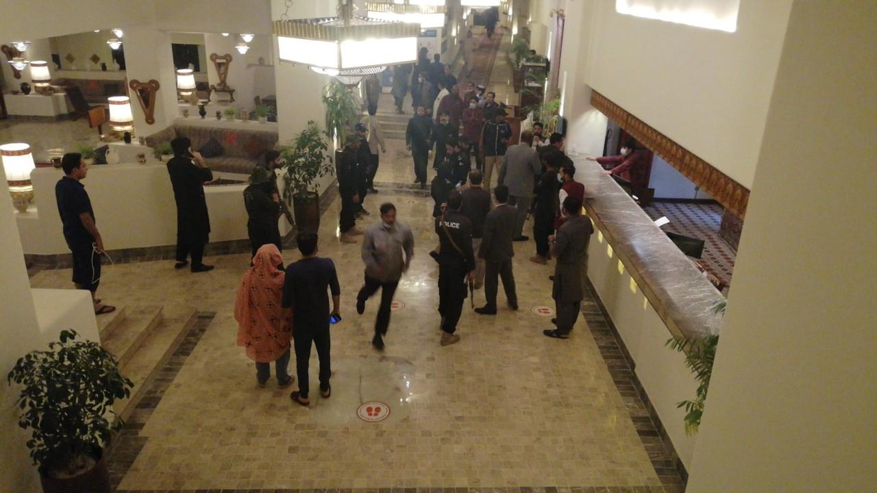 Otelin otoparkında patlama: 5 ölü, en az 11 yaralı