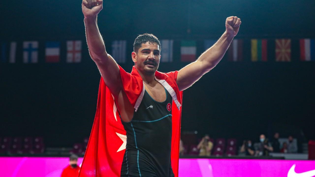 Taha Akgül 8. kez Avrupa Şampiyonu oldu