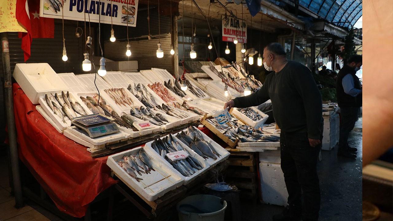 Fiyatlar artmadı! Av yasağı sonrası balık...