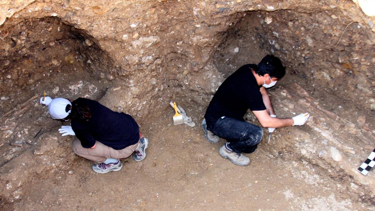 1500 yıllık mezar odası bulundu