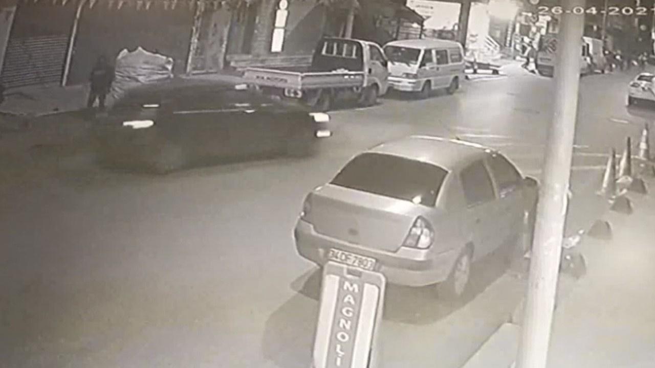 Seyir halindeki otomobile pompalı tüfekli saldırı