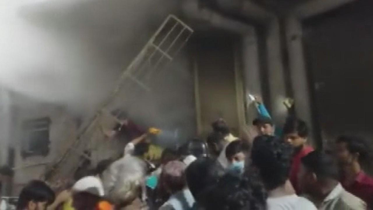 Hindistan'da hastanede yangın: 4 hasta öldü
