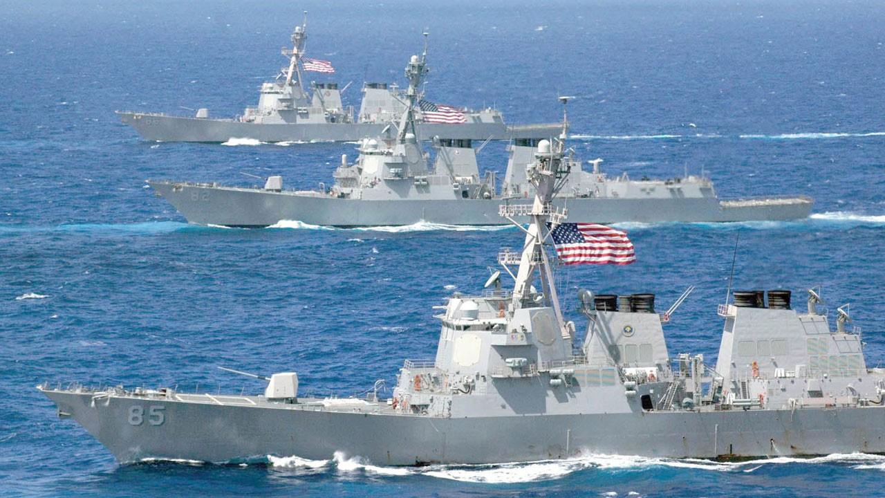 ABD donanması uyarı ateşi açtı!