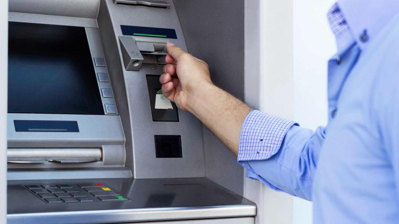 Korona pozitif bir kişi ATM'de yakalandı!