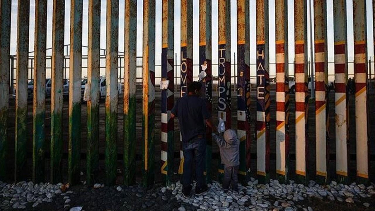 Biden, sınır duvarı projelerini iptal etti