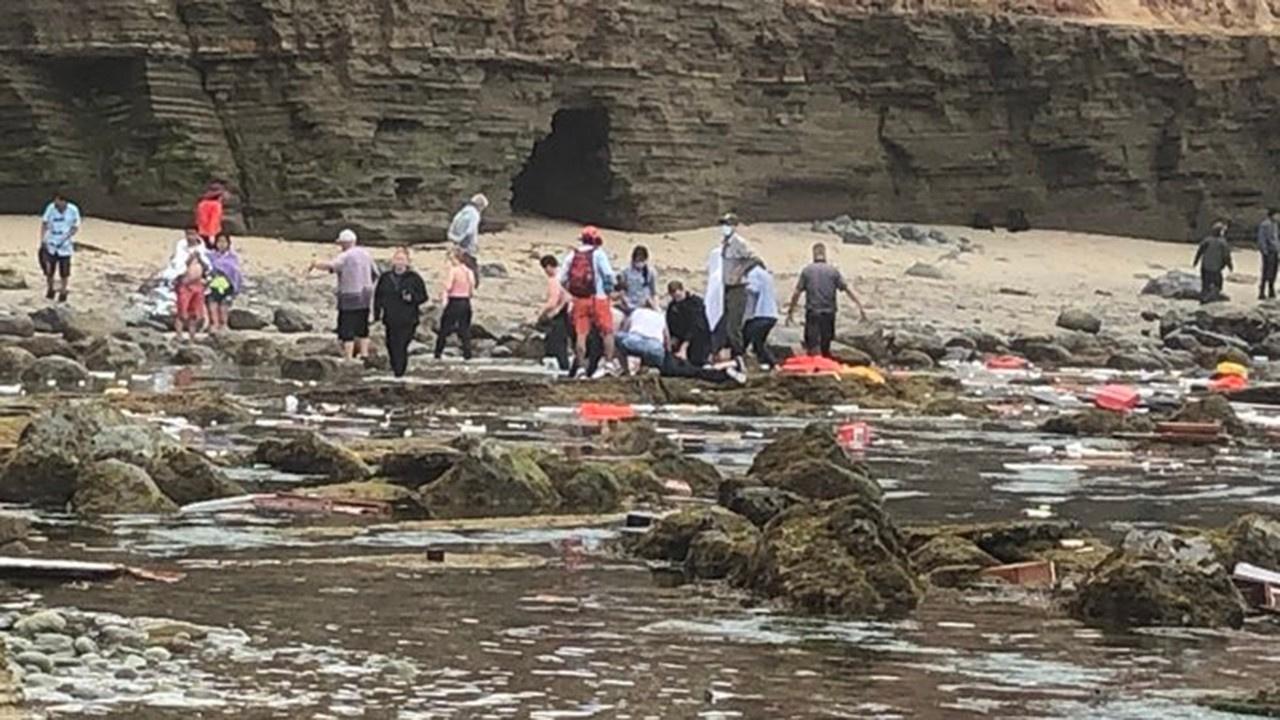 ABD'de facia... Gemi alabora oldu 24 kişi kurtuldu