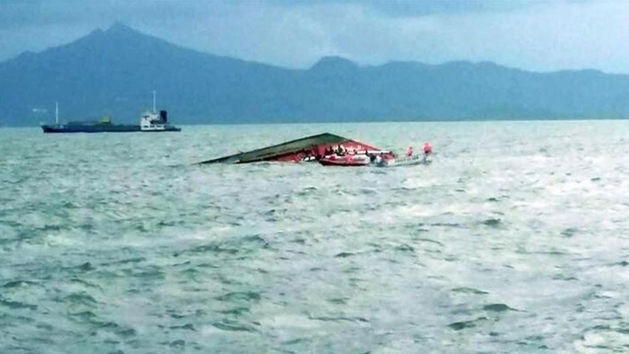 Ülke şokta! Tekne yük gemisine çarptı: 26 ölü