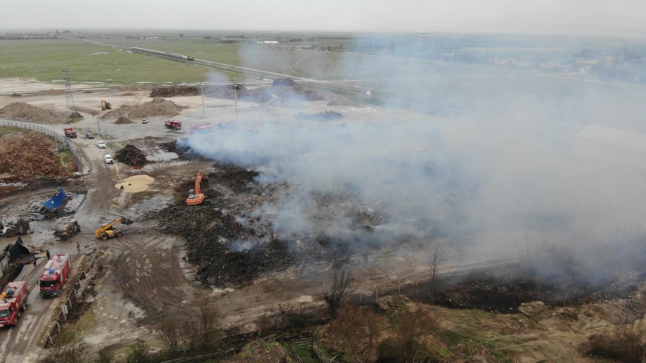 Hammaddelerin yandığı alan havadan görüntülendi