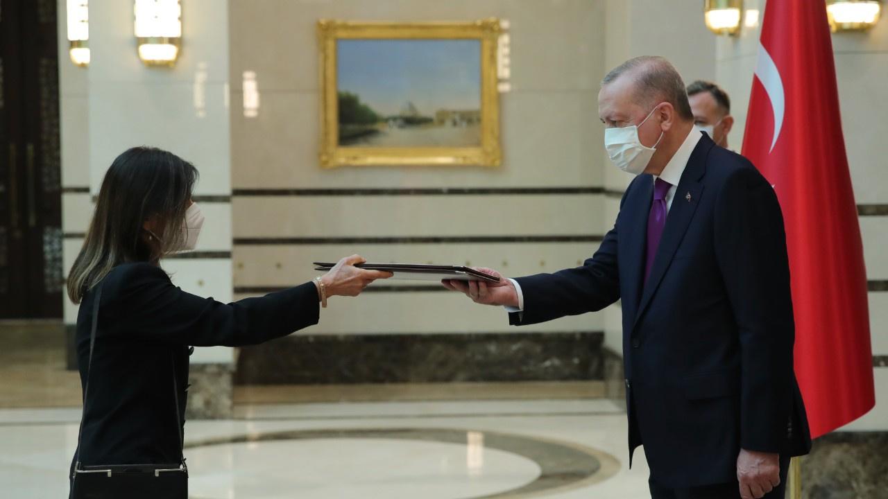 Arjantin Büyükelçisi'nden Erdoğan'a güven mektubu