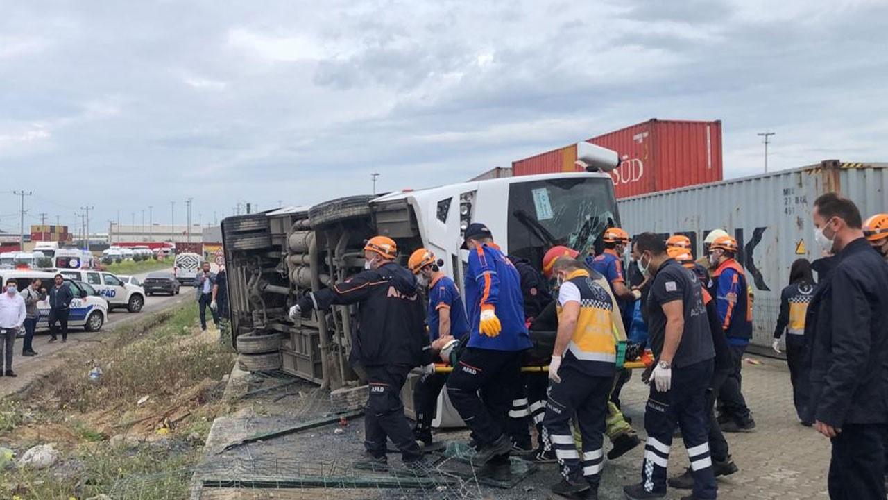 Bursa'da işçi midibüsü devrildi! 1 ölü, 20 yaralı