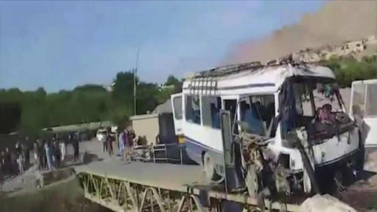 Yolcu otobüsüne bombalı saldırı: 11 ölü