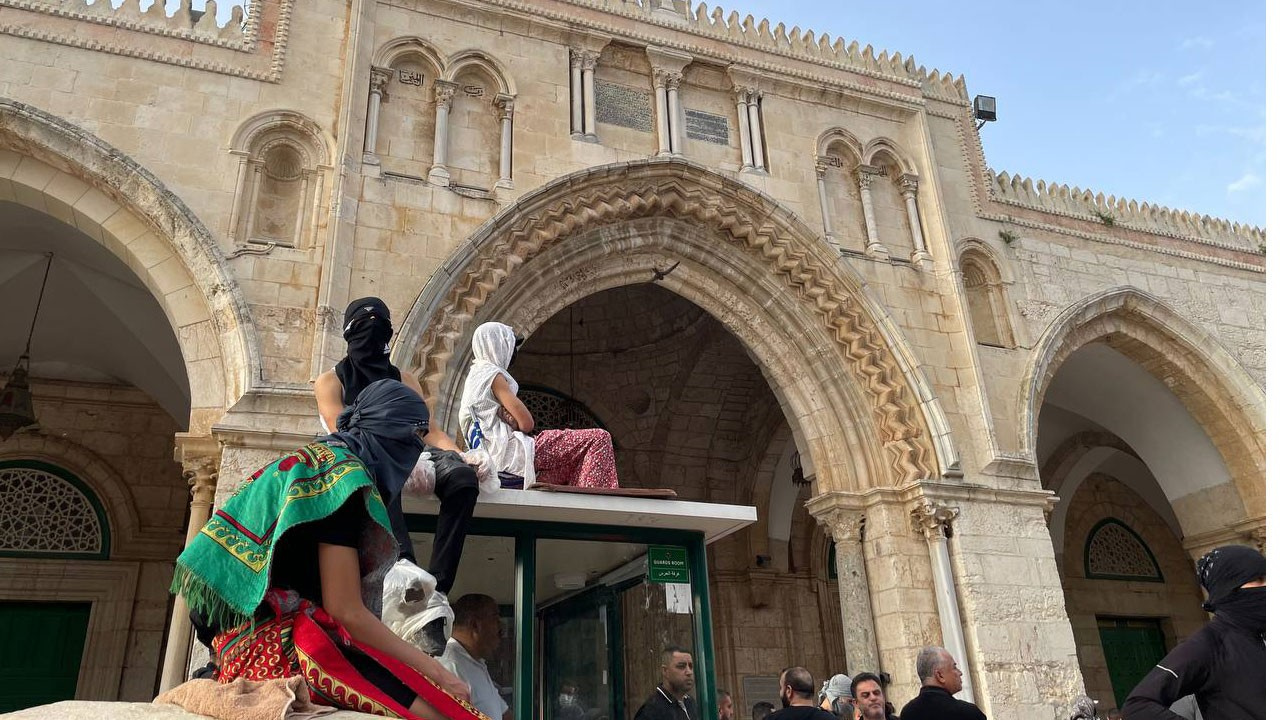 Mescid-i Aksa nöbet tutar Filistinlilelere saldırı
