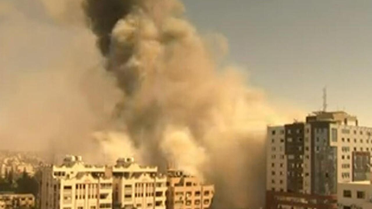 İsrail Gazze'nin en önemli binasını vurdu!