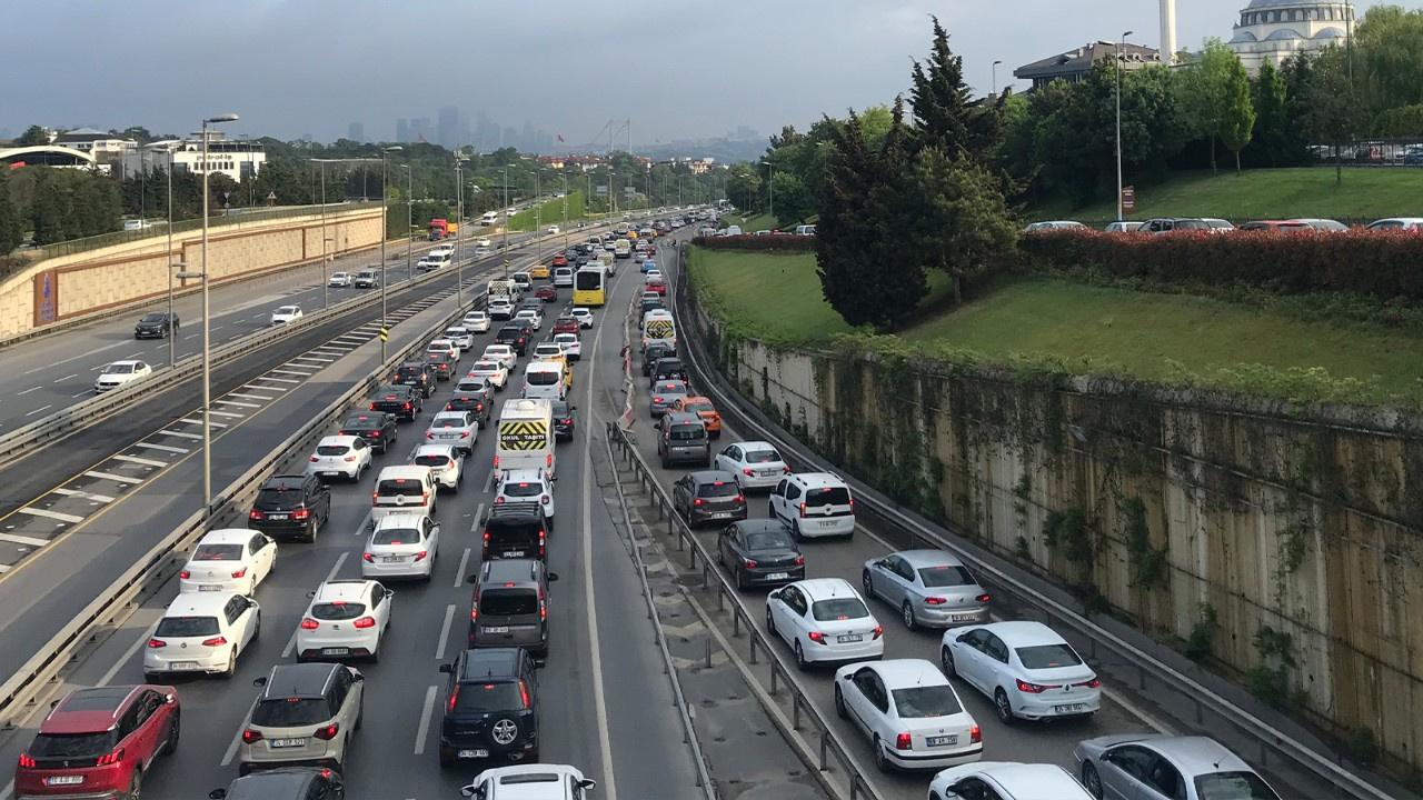 Tam kapanma sonrası İstanbul'da trafik yoğunluğu